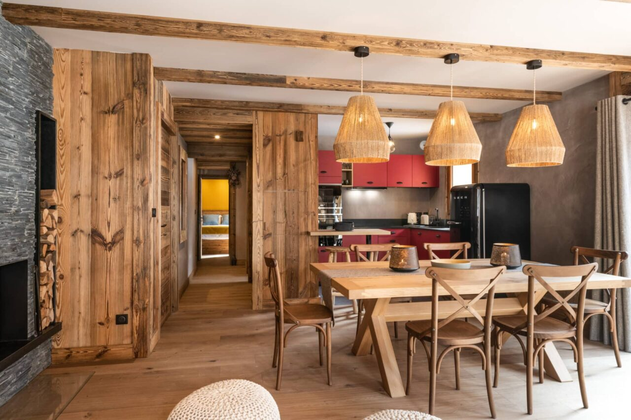 Chalet - ambiance montagne - coin repas