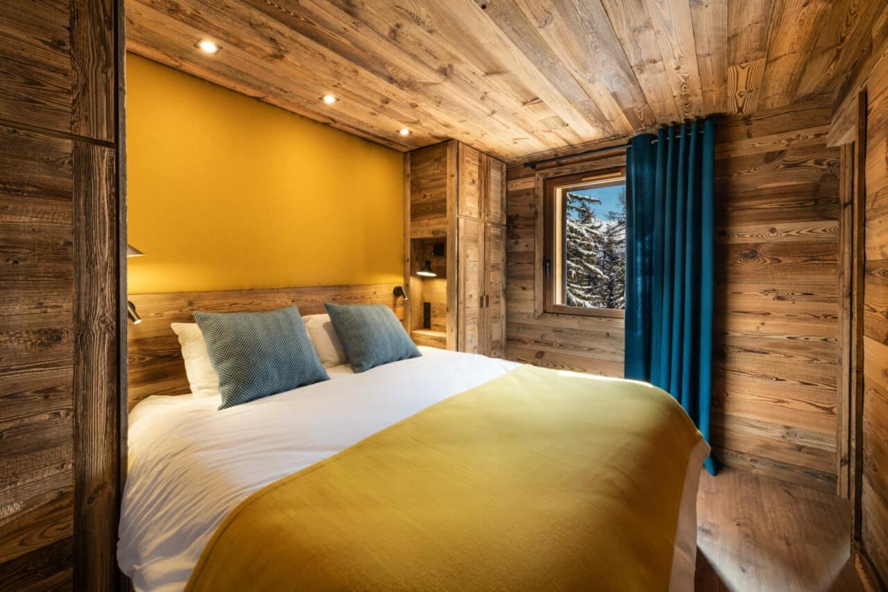 Chalet - chambre - décoration vieux bois