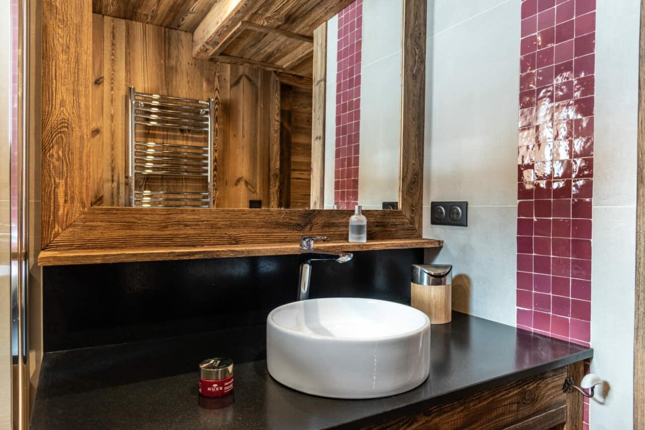 Chalet - salle de bains en vieux bois